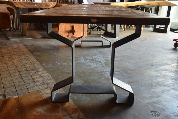 SW-089 tafel metalen onderstel