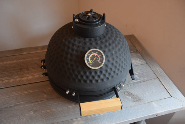 SW-104 bbq tafel met kamado barbecue